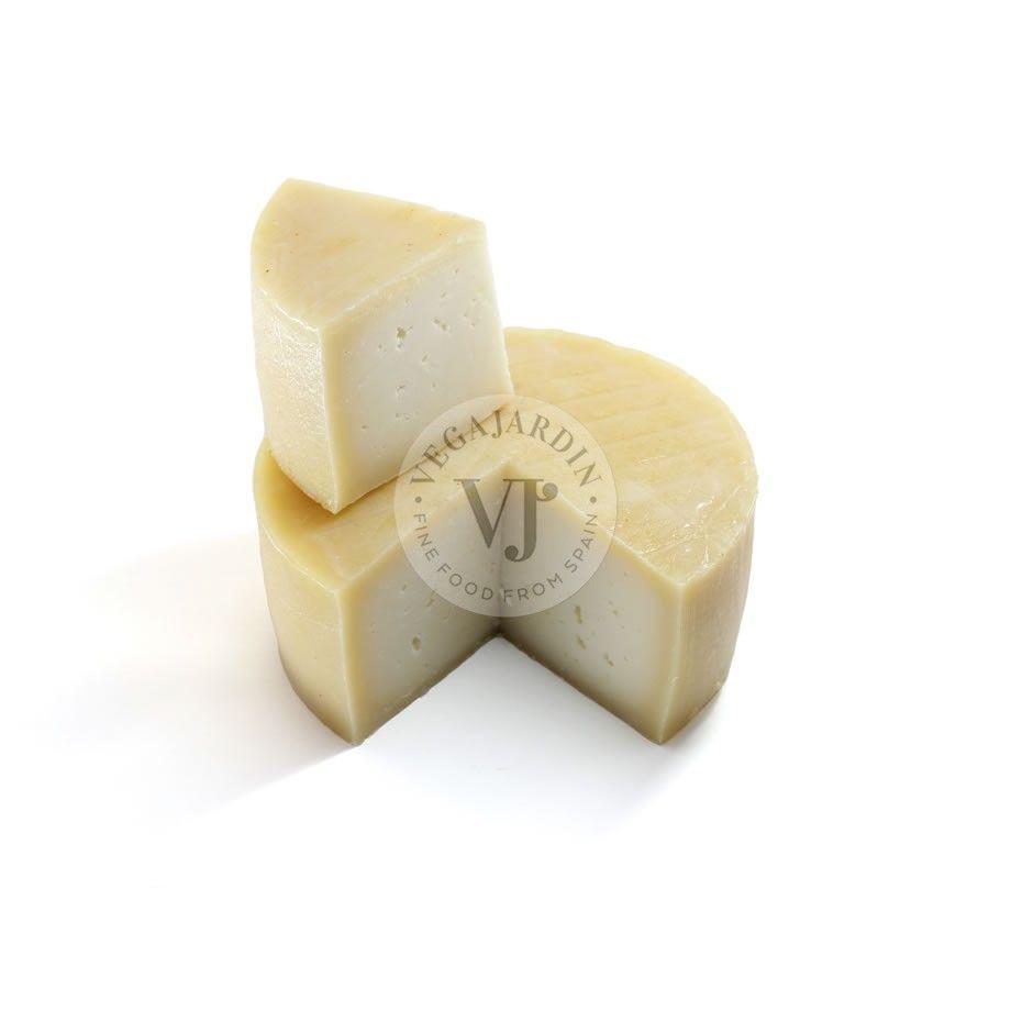 Natural Ibores Cheese PDO