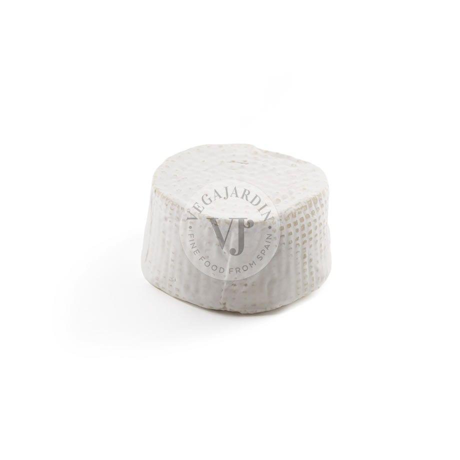 Petit Nevat goat Cheese