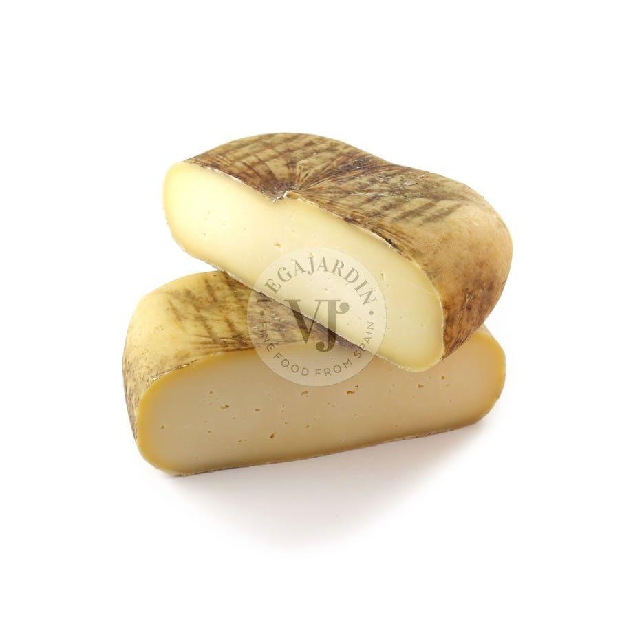 Raw Milk Mahón Cheese PDO Semicured